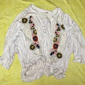 NWOT Free People floral embroidered blouse 🌸